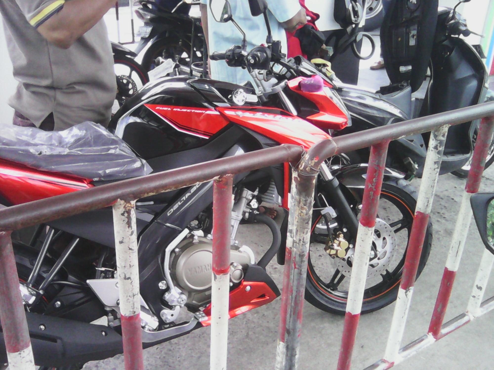 penampakan new vixion advance 2015 di jalan magelang